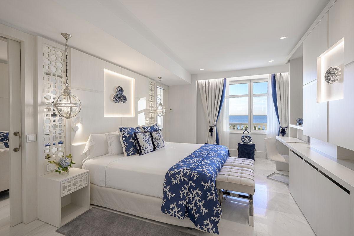 Gran-Hotel-Miramar-Suite-Deluxe-Sea-(6)